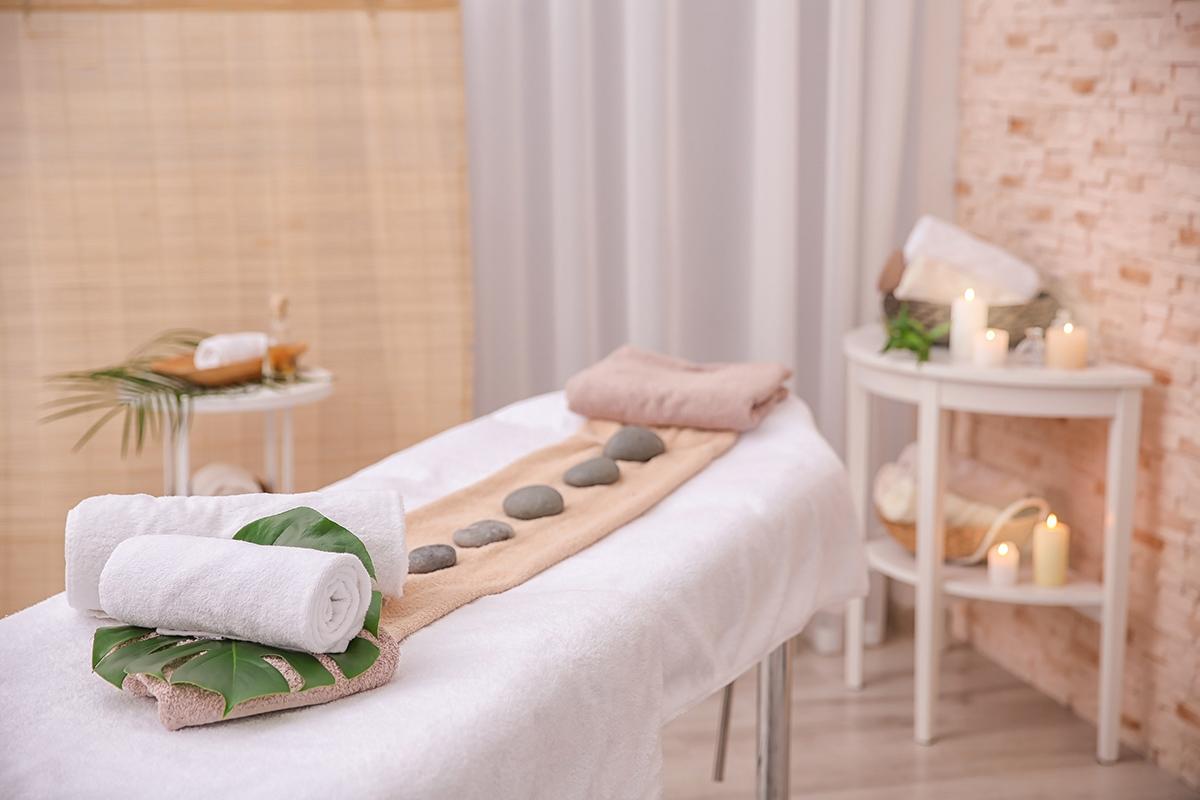 Tonurile pământii arată foarte plăcut în salonul de masaj